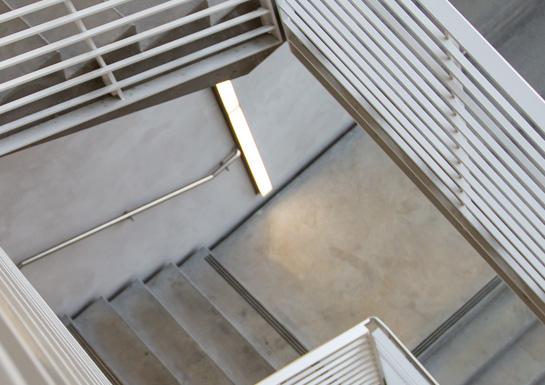 trappstädning-hyreshus-spiralltrappa